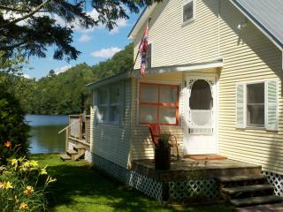 Lakeside Cottage 3 BR Great for Kids & Fishing - Smugglers Notch vacation rentals