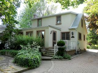 Best Location - Steps from Historical Downtown! - Niagara-on-the-Lake vacation rentals
