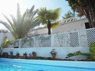 3 BR farmhouse in valley with pool. 5 min from sea - Berja vacation rentals