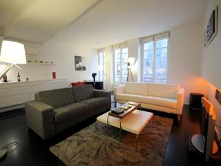 Marais St Martin - by Holidays France Rentals - Paris vacation rentals