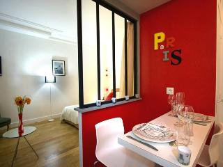 Paris Chic — Romantic Studio Hideaway in Paris - 18th Arrondissement Butte-Montmartre vacation rentals