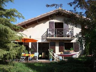 Join us for a relaxing holiday at Gite Artiste - Puylaurens vacation rentals