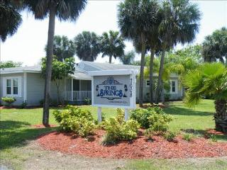 WOW-$295 a week n a beautiful Condo-Close to Beach - Fort Myers vacation rentals