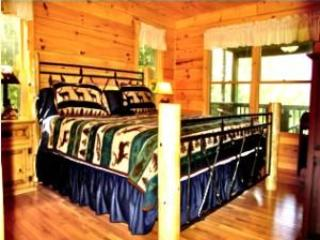 Main floor king bedroom - BUCK SKIN BLUFF, VIEW AND HOT TUB - Blue Ridge - rentals