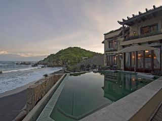 Luxury Beachfront Villa in the Oaxacan Riviera - Huatulco vacation rentals