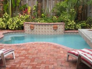 Luxury Portofino Townhome few steps from the beach - Lauderdale by the Sea vacation rentals