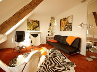 Louvre La Boheme - by Holidays France Rentals - Paris vacation rentals