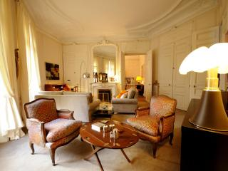 Haussmann Palace - by Holidays France Rentals - Paris vacation rentals