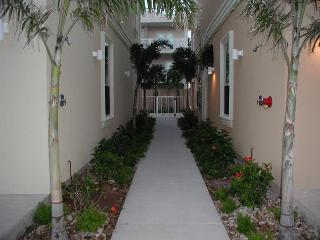 5 PUEBLO del PADRE - 2 Bedroom/2 Bath Condo - South Padre Island vacation rentals