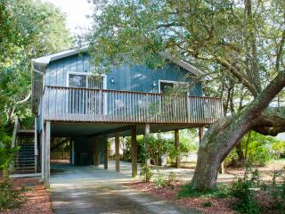 Shell-tering Oaks Cottage - 3 BR, 2 BA - Best Deal - Kure Beach vacation rentals