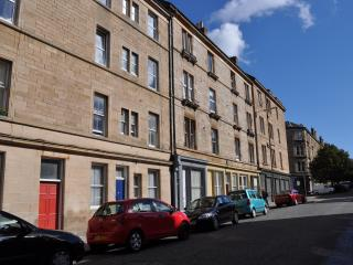Comfortable, modernised apartment near city centre - Edinburgh vacation rentals