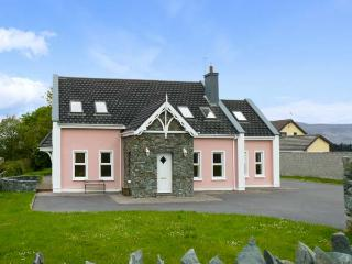 SWEENEY'S COTTAGE, detached cottage, five bedrooms, open fire, garden, in Killorglin, Ref 16255 - County Kerry vacation rentals