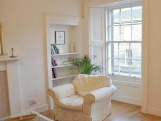 St Stephens Street Apt - Edinburgh vacation rentals