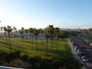 Darrell's South Mission Beach Penthouse Vacation Condo With A/C - San Diego vacation rentals