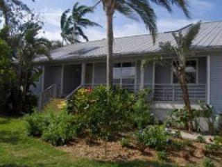 Front Vierw - Closest vacation Home to Tigertail Beach! - Marco Island - rentals