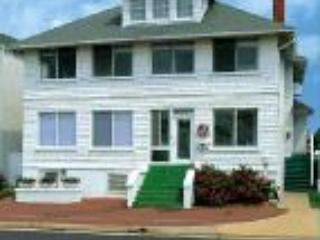 Cutty Sark Historic Beach Cottage Apt The Charles Suite - Virginia Beach vacation rentals