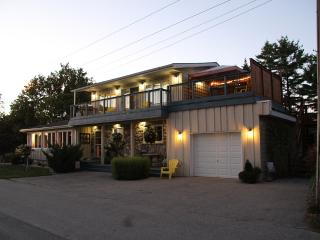 Top of the HIll Retreat - Ontario vacation rentals