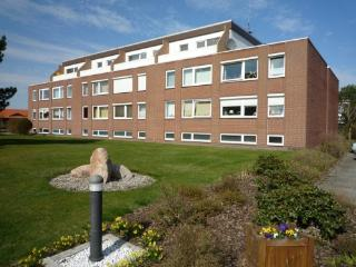 Vacation Apartment in Cuxhaven - 409 sqft, central, quiet location, affordable (# 2873) - Lower Saxony vacation rentals