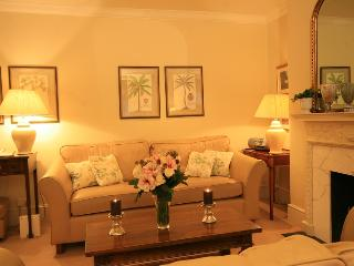 South Kensington 2 Bedroom/2 Bathroom Apartment - London vacation rentals