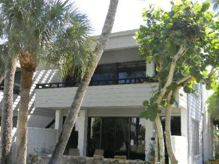 Venice Condo - private beach location - Englewood vacation rentals
