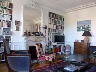 PSMT Charming family apartment in the Marais - London vacation rentals