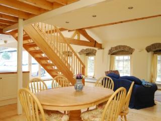 HIGH MILL COTTAGE, Skipton, Yorkshire Dales - Skipton vacation rentals