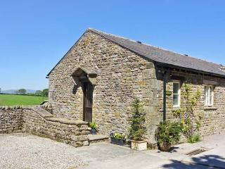ASHBANK COTTAGE, romantic, character holiday cottage, with woodburning stove in Tatham Near Bentham, Ref 12328 - Cumbria vacation rentals