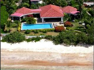 Sea Fans Villa with pool, shared tennis court, maid service & 1 min walk to beach - Mahoe Bay vacation rentals