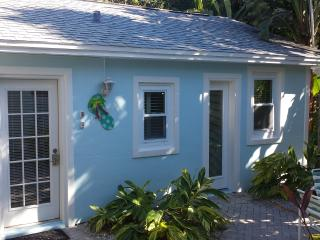 32 Steps to the Sand Cottage - Clearwater Beach vacation rentals