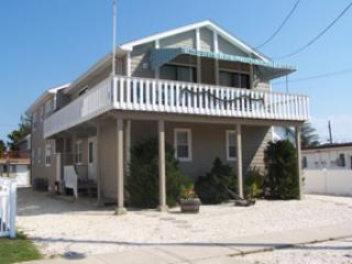10108 W Third Avenue Stone Harbor NJ Single Family Home Exterior View - 10108 Third Avenue in Stone Harbor, NJ - ID 193578 - Stone Harbor - rentals