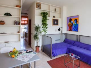 Sunny and bright loft for 2 in the Barrio del Carmen - Valencia vacation rentals
