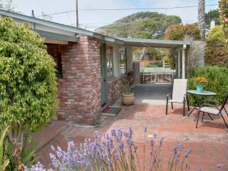 3458 - Charming Cottage Centrally Located. Fully Equipped Kitchen! - Pacific Grove vacation rentals