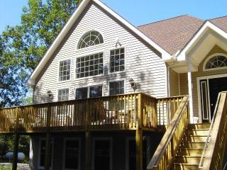 Squirrel's Nut Chalet - Poconos vacation rentals
