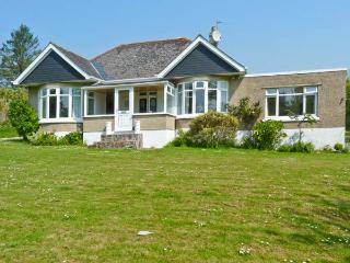 SUNNYVALE, single storey, family room, lawned garden, close sandy beach in Gorran Haven near Mevagissey, Ref 17057 - Gorran Haven vacation rentals