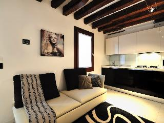TIEPOLO APARTMENT - Veneto - Venice vacation rentals