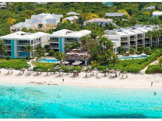 2 bdr Condo on Grace Bay beach 7th night free until Nov 1st, 2014 - Providenciales vacation rentals