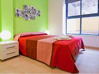 Mozart B3 Apartment - Barcelona vacation rentals