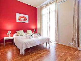Sardenya Apartment - Barcelona vacation rentals