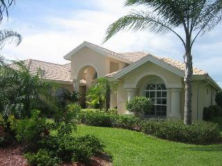 Delightful 4 Bed villa with Pool Spa in Briarwood. - Naples vacation rentals