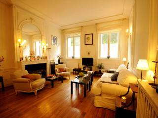 George V - by Holidays France Rentals - Paris vacation rentals