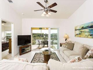 Canopy Walk 542, 4th floor penthouse unit, elevator, wifi, pool - Florida Central Atlantic Coast vacation rentals