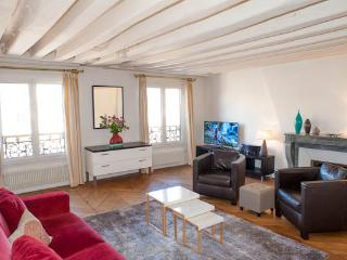 Rue Sainte-Anne. Splendid & calm 1 Bed, Le Louvre and the Opera - Paris vacation rentals