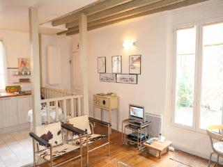 Rue des Francs Bourgeois. Outstanding studio in the heart of the Marais with terrace. - Paris vacation rentals