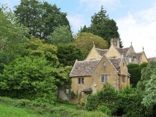 COURT HOUSE, historic holiday home, full of character, near Uley, Ref 15795 - Uley vacation rentals