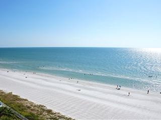 BEACHVIEW MODERN CONDO 2BR/2BA *CLUB REDINGTON* Heated Pool - Redington Shores vacation rentals