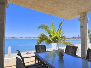 MISSION BAY GETAWAY, RIGHT ON THE BAY,  3 BD 2 BA - Mission Beach vacation rentals