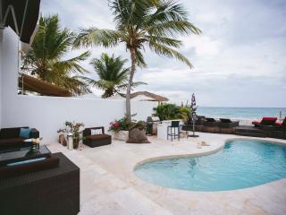 Beachouse, Chiqe, Featured on HGTV -  Private Pool - Pelican Key vacation rentals