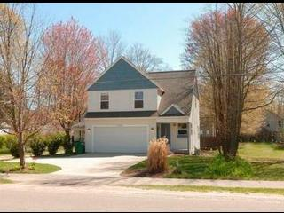 Walk to beach from 3 bedroom home on Lakeshore Dr. - Holland vacation rentals