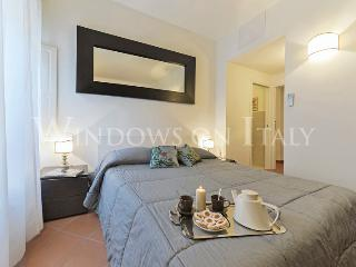 Conti - Windows on Italy - Florence vacation rentals