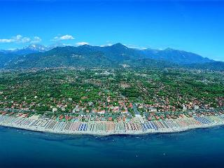 Pietrasanta:by sea,1 h.from Florence/Pisa/Lucca - Pietrasanta vacation rentals